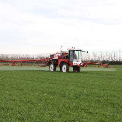 fertiliser truck spraying field